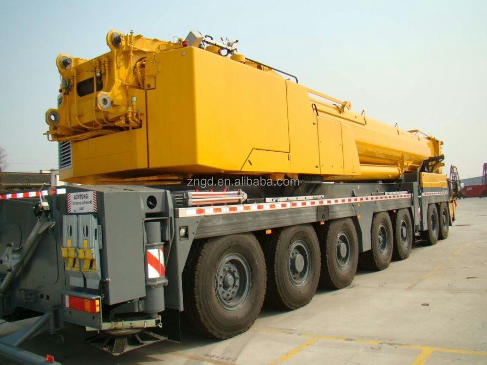used condition Year 2010 Liebherr LTM1400 400t Truck Crane for salein Shanghai with High Quality and Excellent Working Condition