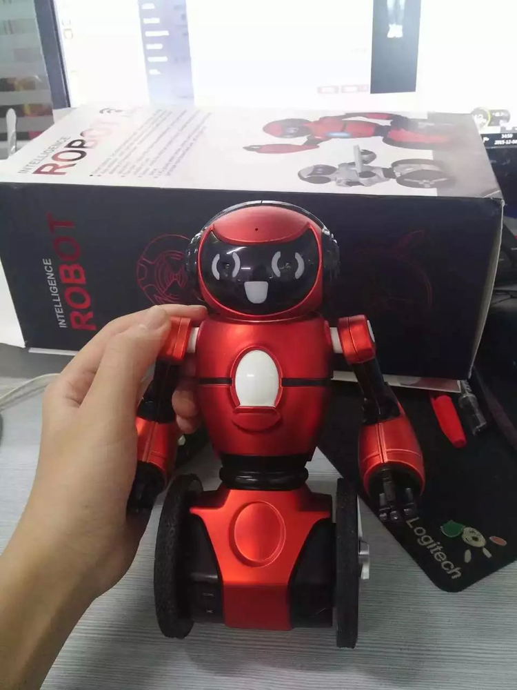 WL F1 gravity sensor wholesale battery operated toy robot with long playing time.jpg