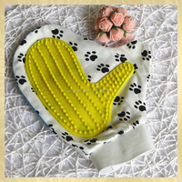 Special cute gloves good brush for pet dog and cat bathing