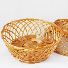 Whoe Sale Chinese Cheap Plastic Simulat Rattan Basket Storage Medium Basket with Brown and Round Shape