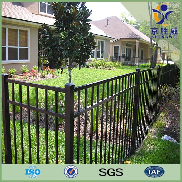 Black powder coated aluminum fencing for garden