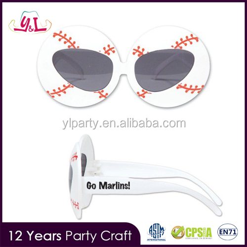 Football Glasses Promotion Personalized Football Fan Items