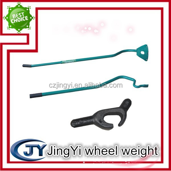 car tire demounting tool