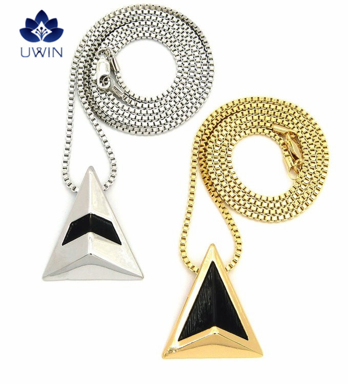 Get Lucky Celebrity Pendant 2 Piece Box Artificial Gold Chain Necklace Set