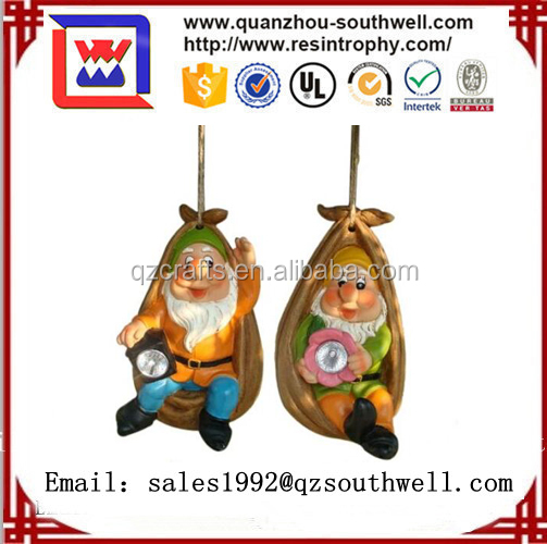 2017 polyresin garden gnome figurine for decoration