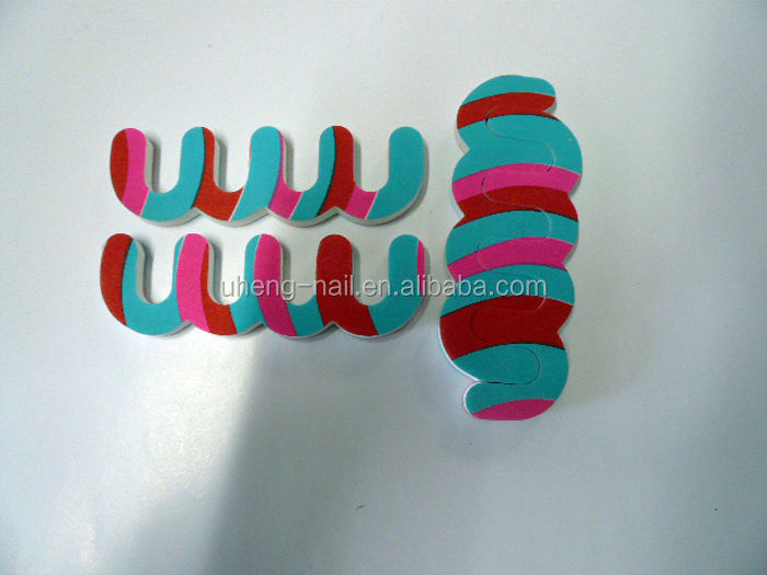 2016 New design low price gel silicone toe separator