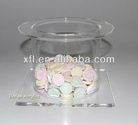 small plexiglass / acrylic cake display case