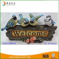 Colorful Outdoor Garden Decoration Resin Bird On welcome sigh Log