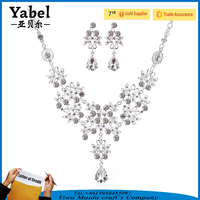 Fashion Large Rhinestone Earrings Woman Jewelry Necklace Indian Bridal Jewelry Set