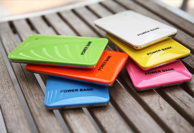 Customized logo power bank small fit for cell phone