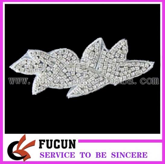 wholesale crystal rhinestone lace trim for bridal /kids clothing rhinestone appliques.jpg
