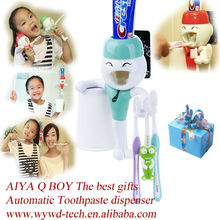 Q Auto Toothpaste dispenserhight 2014 new promotional products novelty items/Wy-080923G