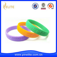 Custom made cheap embossed silicone bracelet