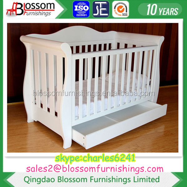 White Wooden Royal Style Baby Sleigh Crib
