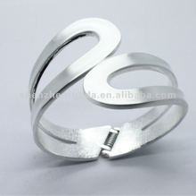 zig zag stainless steel bangle