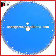 Diamond disc turbo blade cut masonry and asphalt