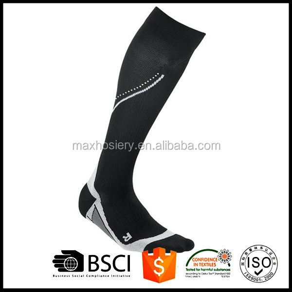 Factory supplier men's reflective compression running socks
