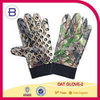 New Specialties Hunters Realtree Gloves