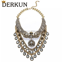 Fake Diamond Necklace Fashion Design Zinc Alloy Crystal Statement Necklace