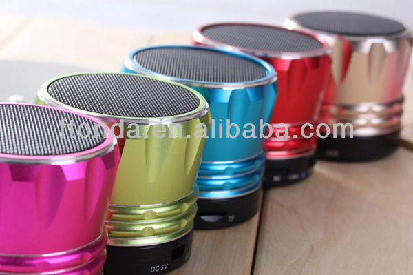 2013 High quality outdoor portable unique bluetooth speakers with hands free, TF card slot,line in function