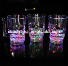 Skull shape plastic led flashing beer cup with handle