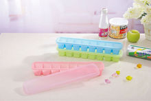Plastic Ice Cube Tray with Cover