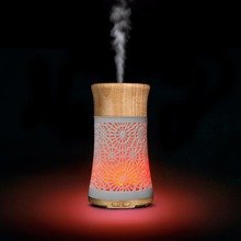 China Manufacturer Elegant Wooden LED Light USB Humidifier Aroma Diffuser