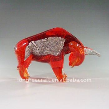 High Quality Blown Red Glass Bull Fighting Design as Hotel Decoration-LRT130