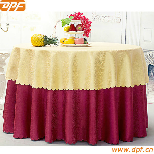 "132"" round weighted pattern table cloth"