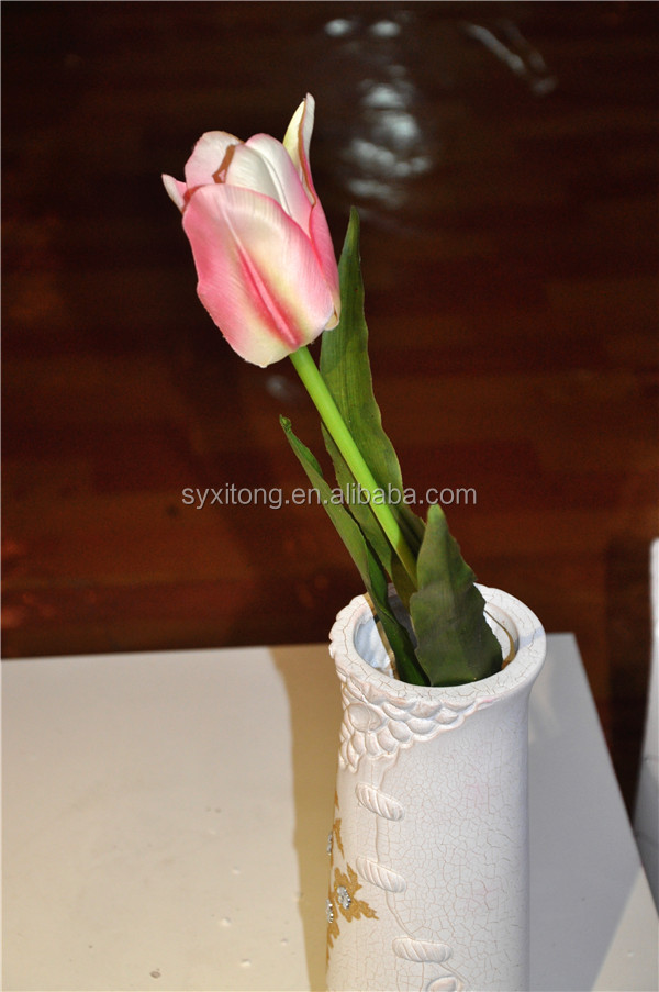 artificial tulip bunch