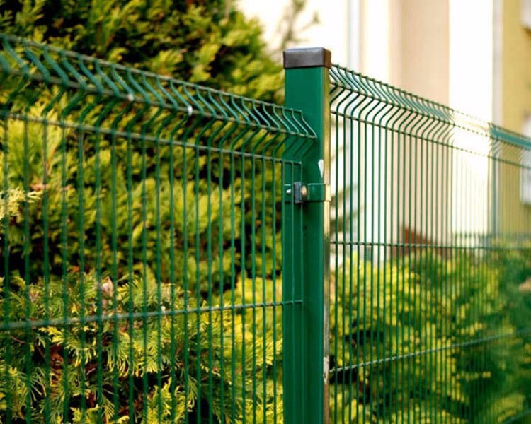 Made in Guangzhou Professional Factory Galvanized Welded Wire Mesh Edge Fence