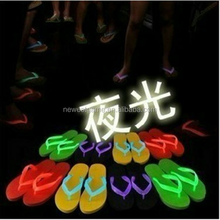2017 Summer The Latest Fashion Design Men Ladies illuminated Sandals Shoes Beach <strong>Slippers</strong> For Women Cheap Wholesale Flip Flops