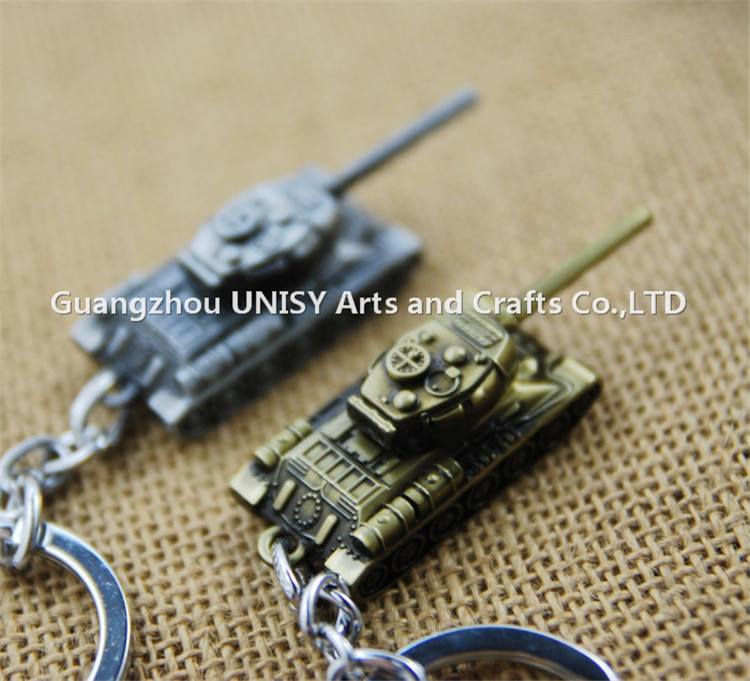 World of Tanks KeyChain Zinc Alloy Metal Tank Model Keyring gift key chain ring holder