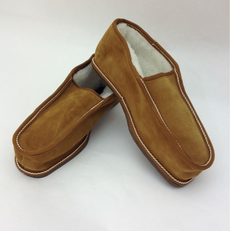 Genuine shearling slippers for men. Camel, dark brown, black and grey available colours.