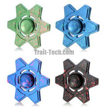 Plastic Stress Relief Toy Triangle Patterned Fidget Hand Spinner - Colormix