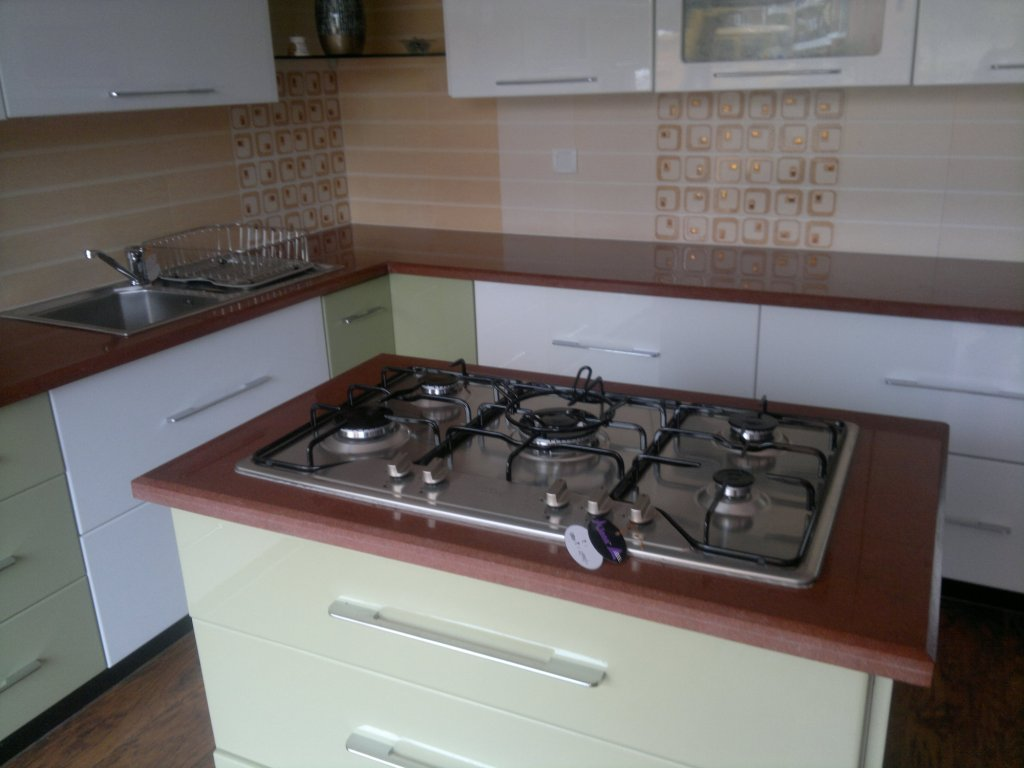Granites application kitchen counter top.