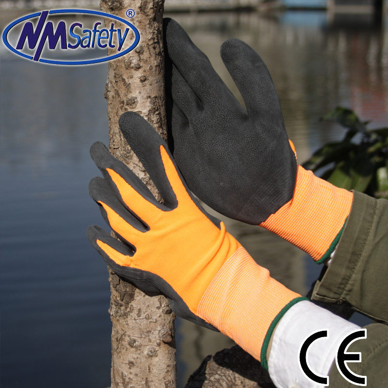 NMSAFETY latex coated gardening gloves