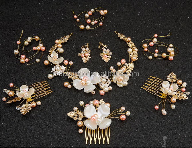 2017 Simulated Pearl Petal Headbands Gold Leaves Hair Combs Bridal Tiara Wedding Hair Accessories Jewelry Noiva Acessorios