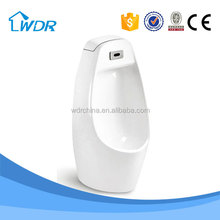 Middle size ceramic wall-hung urinal with automatic reactive flush