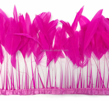 Stripped Rooster feather trim hot pink Coque Tails
