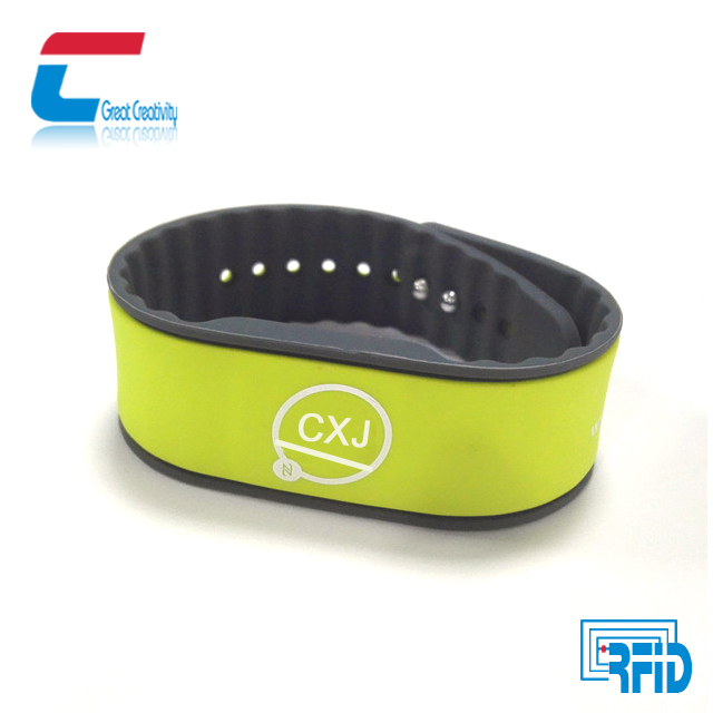 Durable silicone waterproof compatible MIFARE 1K RFID wristband silicone bracelet /band