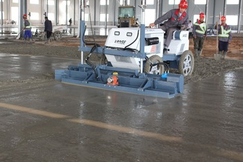 concrete screeding machine