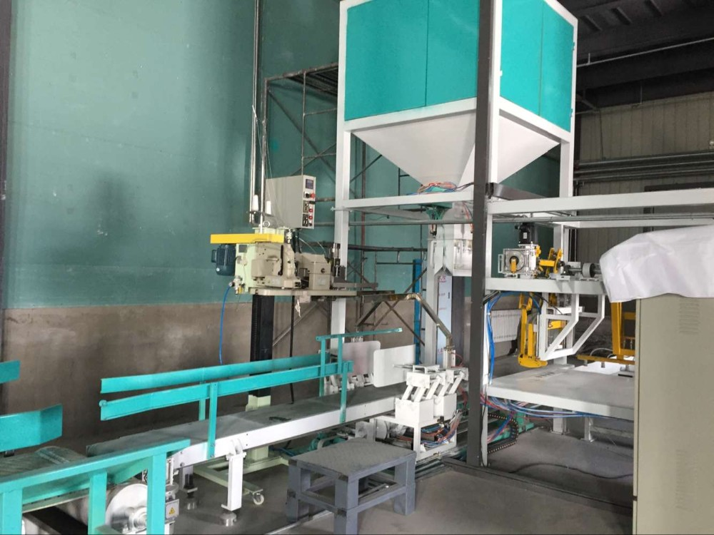 Automatic paper or woven bag packing and hacking machine auto bag packer and palletizer machine