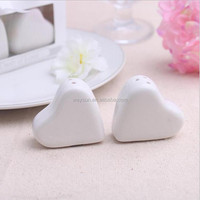 "100pcs Wedding Gifts of ""A Dash of Love"" Ceramic Heart Salt and Pepper Shakers wedding favors 2pcs/box DHL Freeshipping"