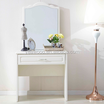 Simple and practical dressing table made of wood