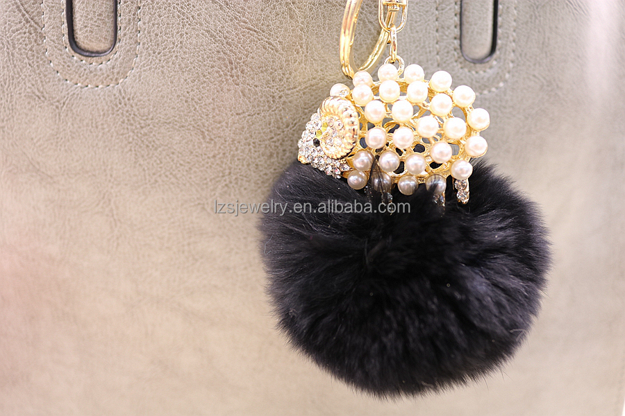 Pearl Sheep Design Alloy Keychain Customize Animal Design Pompom Keychain Wholesale Rhinestone Leather Fur Ball Leather Keychain