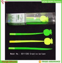 2015 new Design Stationery soft Silicone green grass leaf shaped ball point pen for kids