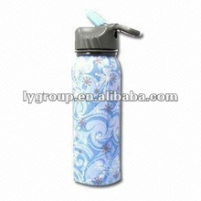 Stainless Steel Water Bottles with Cap and 500/750ml Capacities with carabiner, Customized Colors are Accepted