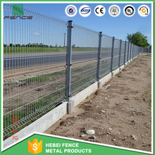 Manufacturer ISO9001 curvy pvc welded wire mesh fence/3v folded wire mesh fence