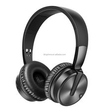 The new 2018 contracted wind noise reduction stereo bluetooth V4.2 wore a bluetooth headset, wireless support AUX, TF card